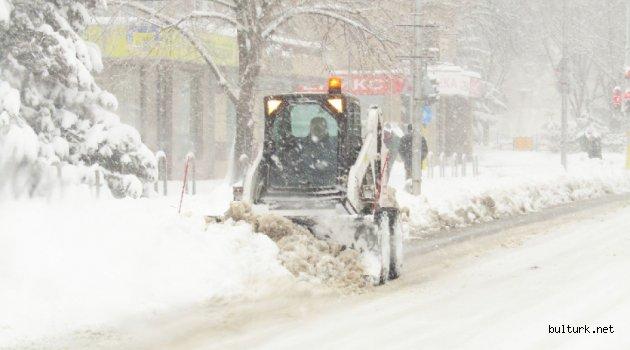 Bulgaristan kar ile mücaleye devam ediyor