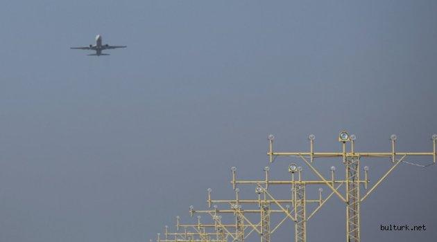 Bulgaristan'da Uluslararası uçuşlara ve trenlere yasak uzatıldı