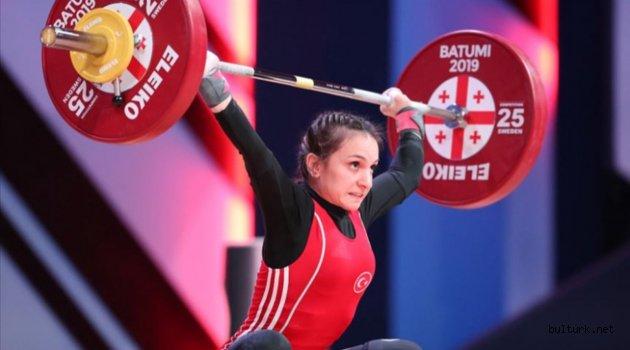 Şaziye Erdoğan'dan dünya şampiyonu