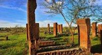 Atalar Şehri Ahlat Mezar Taşları