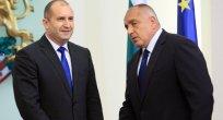 Bulgaristan Cumhurbaşkanı ve başbakanı koronavirüs vakalı hastaneleri ziyaret ettiler