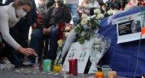 Türkiye Paris'te öldürülen öğretmen için taziye mesajı yayınladı Kaynak: Türkiye Paris'te öldürülen öğretmen için taziye mesajı yayınladı