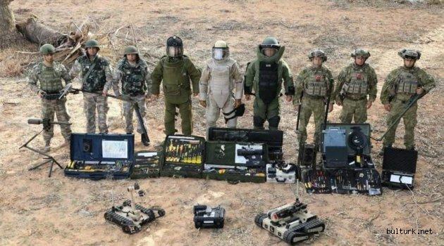 Türk Silahlı Kuvvetleri'ne bağlı bomba imha personelleri Libya'da göreve başladı