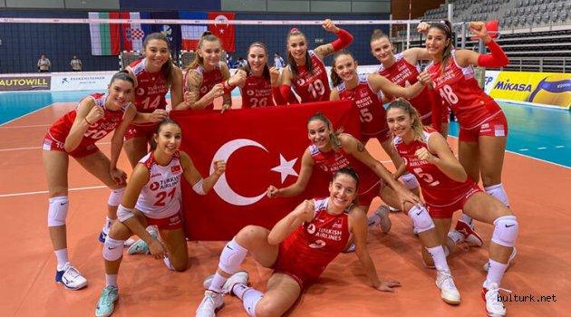 Türkiye 19 Yaş Altı Kız Voleybol Milli Takımı, Avrupa şampiyonu oldu!