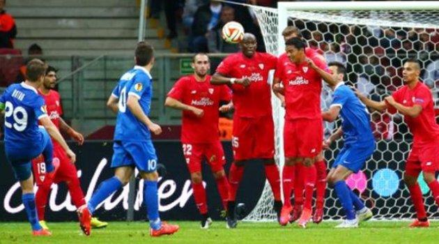 UEFA Kupası Sevilla'nın